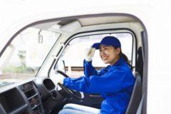 女性トラックドライバーが増加中!政府も後押しするトラガール